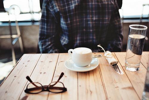 两个人分手一段时间后,终于可以好好的坐在一起聊天是一种怎样的感受?