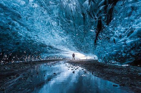 奇幻的北极光冰洞2