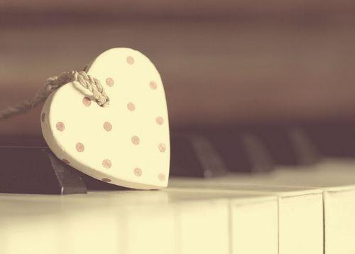 爱不是总盯着对方,而是注视同一个方向